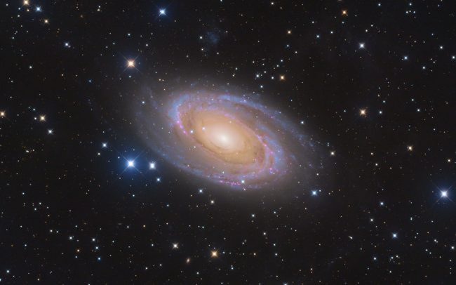 M81 whirpool galaxy, 13 hrs total exposure. ODK10, QHY168c, Mesu 200